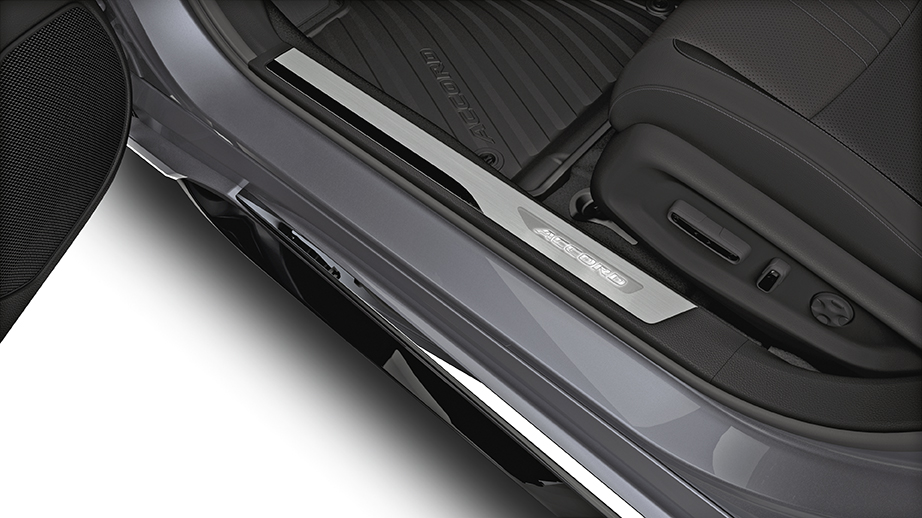 2018 Honda Accord Deep Black Illuminated Door Step Garnish