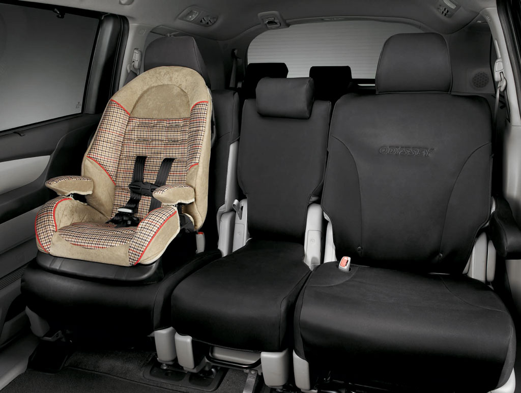 2011 2017 honda odyssey 2nd row seat covers 08p32 tk8 100. Black Bedroom Furniture Sets. Home Design Ideas