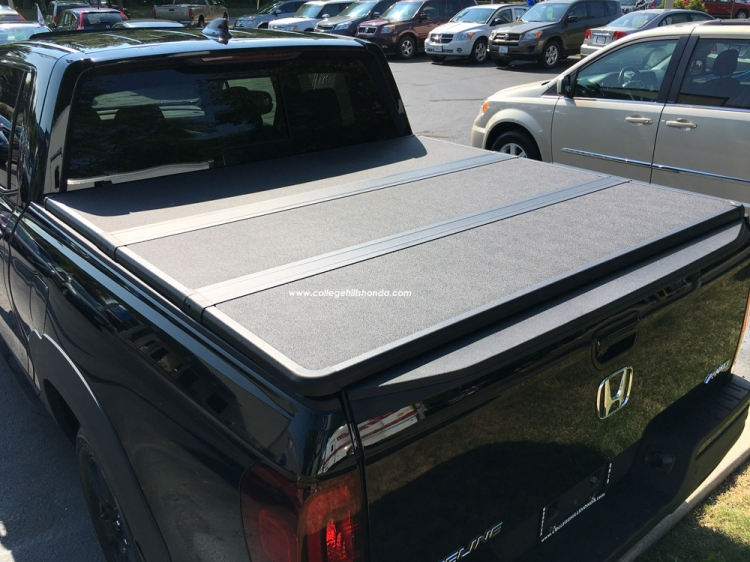 Awesome Hard Tonneau Cover *Includes Shipping