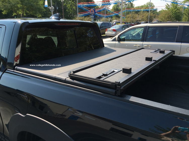 Hard Tonneau Cover *Includes Shipping